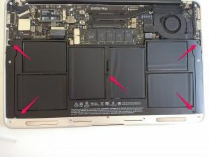 MacBookAirのバッテリーねじ位置はここ
