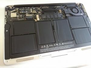 MacBookAirの内部掃除