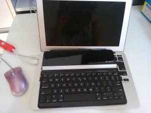 MacBook Airが水没で動かない